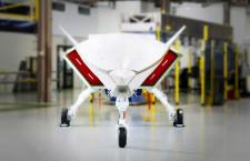 ボーイングと豪空軍、無人実証機の開発進む Loyal Wingmanの胴体と降着装置結合