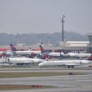 デルタ航空、CDCに顧客の連絡先提供 米国行き旅客、任意提出
