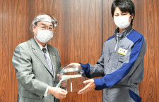 JAL、大田区にフェイスシールド寄贈 整備士が手作り