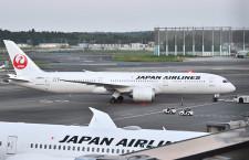JAL、8月の国際線利用率25.6% 国内線36.4%