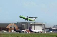 ATR72-600F貨物機が初飛行 フェデックスが導入