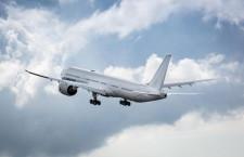 777X、4号機が初飛行 客室テスト用、試験機すべてそろう