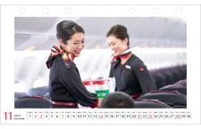 JAL、新制服でCAカレンダー復活 2021年版発売