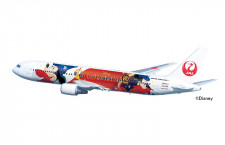 JAL、魔法使いミッキーの特別塗装機 11月から767、誕生日に周遊チャーターも