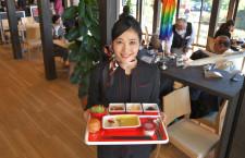 JAL系レストラン御料鶴、CAが機内食提供