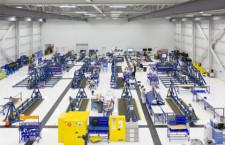ホンダジェット、新格納庫が稼働 主翼組立や部品保管