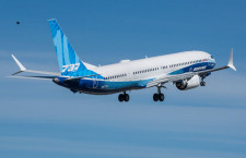737-10が初飛行 最大の737MAX、23年就航へ