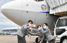 「短い滑走路でも運航しやすかった」写真特集・ANA 737-700退役