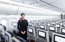 普通席もモニターと電源完備 写真特集・JAL 11代目CA新制服と主要機材(5・終)787-8国内線仕様機