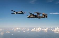 無人機MQ-25、早期警戒機E-2Dに空中給油成功