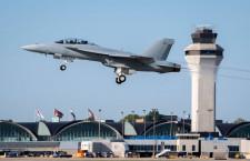 最新型F/A-18、米海軍が量産初号機受領