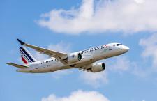 エールフランス、A220初号機受領 A318など経年機置き換え