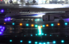 ANA、初のGEエンジン787が羽田到着 国内線新仕様787-9