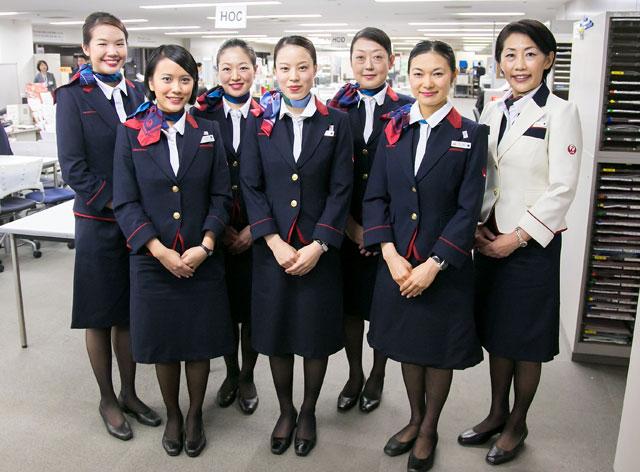 日航、鶴丸モチーフの新制服に衣替え 客室乗務員は787初便から着用