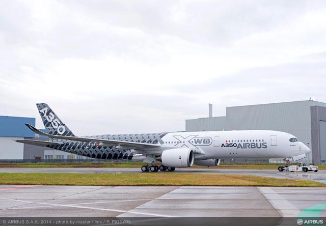 カーボン模様の塗装が施されたMSN2=14年1月 PHOTO: P.Pigeyre, em company/Airbus