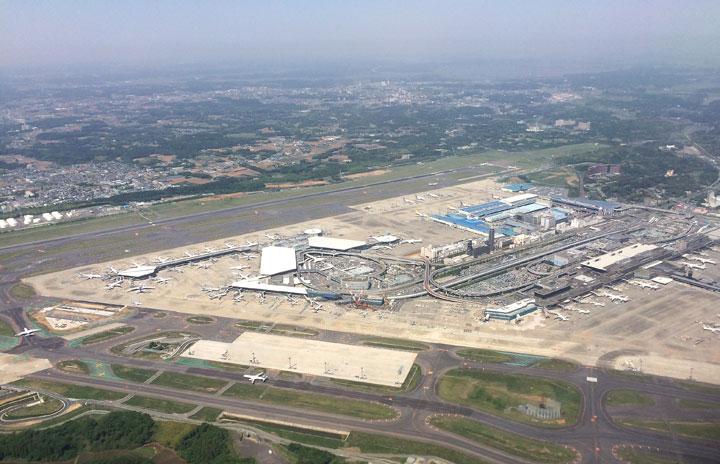 成田空港、旅客便着陸料を一時減免 国内線は停留料も