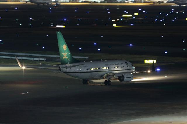 羽田を出発するサウジアラビア財務省の737-700BBJ(HZ-MF1)。 SVA7356便として北京へ向かった=17年3月15日 PHOTO: Shota DOKI/Aviation Wire