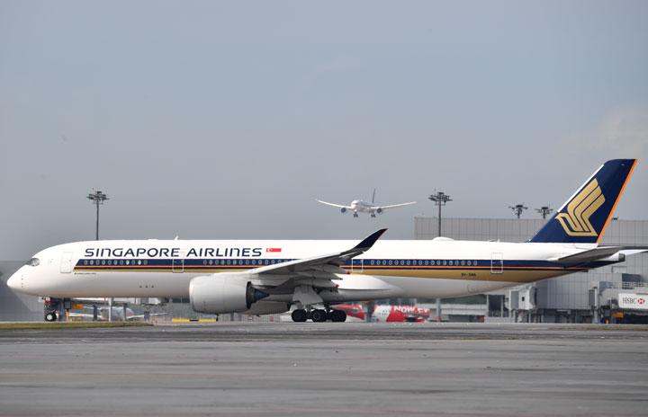 シンガポール航空、グループ従業員2割削減 新型コロナ影響長期化で4300人