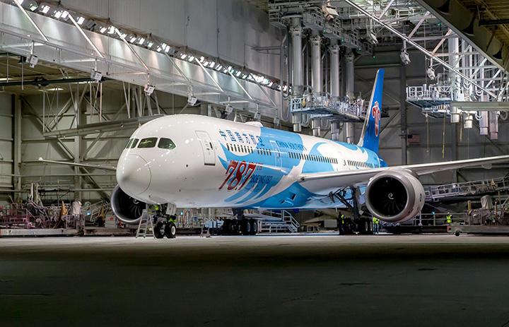 ボーイング、787機目の787納入 エアキャップ、中国南方航空にリース