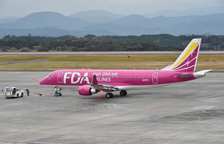 FDA、9月運休4路線 減便8路線、通常運航は11路線