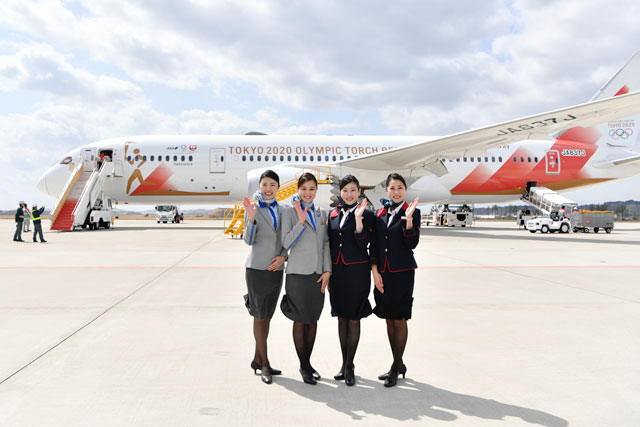 JALとANA、聖火輸送787の模型当たるTwitterキャンペーン