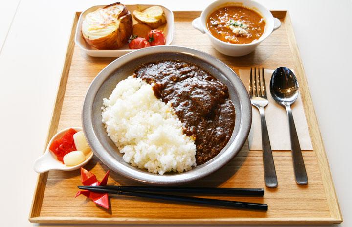 JALラウンジのビーフカレー、初のレストラン提供 成田空港近く「御料鶴」
