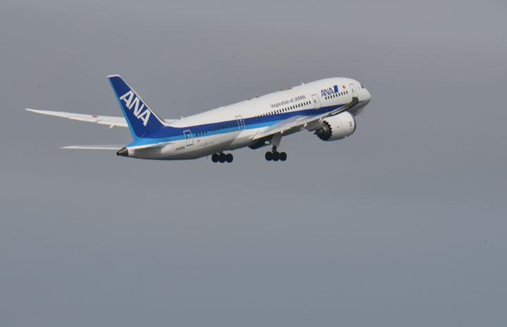 JAXAとANA、人工衛星と旅客機で大気成分観測