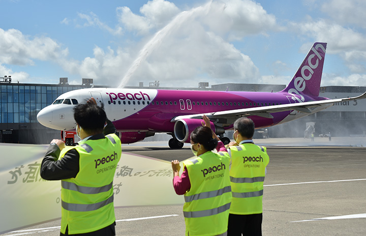 ピーチ国内線、9月運航率62%に 943便追加減便