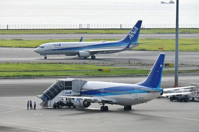 ANA、最後のスーパードルフィン羽田から離日 737クラシック日本から姿消す