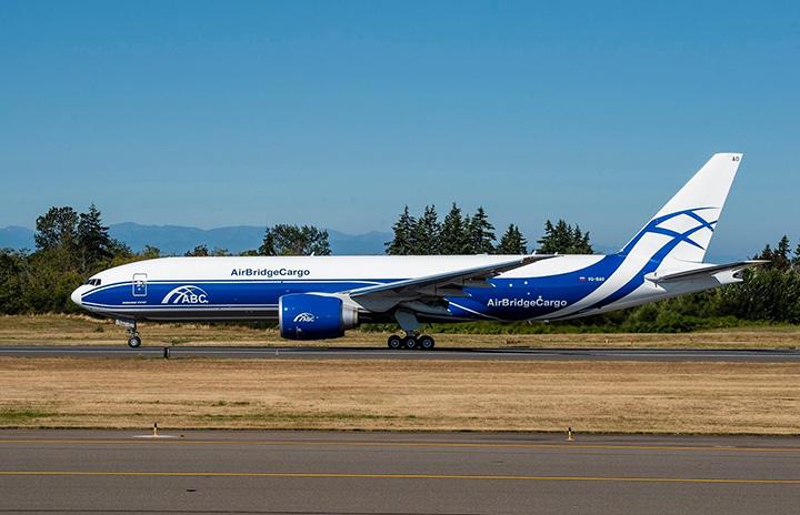 露ヴォルガ・ドニエプル、777F受領 グループ向け初号機、エアブリッジ・カーゴ運航