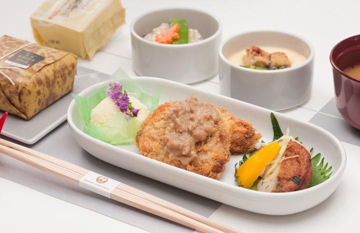 JAL、9月は鹿児島特集 国内線機内食や日本酒