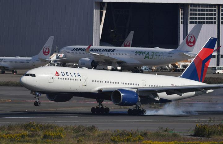 デルタ航空の777、アトランタから羽田到着 10月で退役