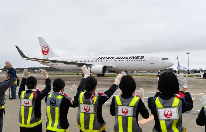JAL、周遊チャーター機で春休み航空教室 成田と中部発着