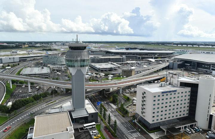 成田空港、制限エリア巡るバスツアー 食と旅融合、オンライン版も