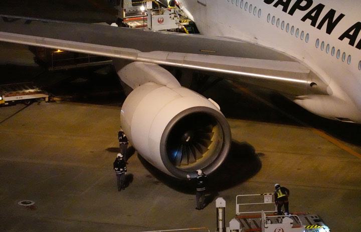 国交省、ANA/JALに777運航停止指示 ユナイテッド機事故でPWエンジン機