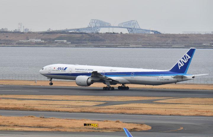 ANAの777-300ER、4号機が米国へ 新型コロナで国際線大型機削減