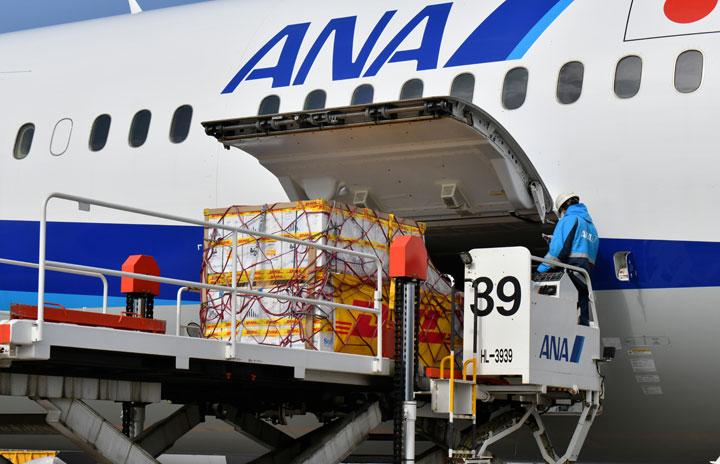 新型コロナワクチン、第3便が成田到着 最大52万回分