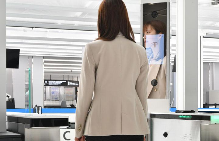 成田空港、顔パス搭乗スタート 7月から本格運用、羽田も