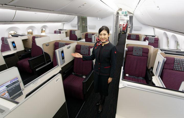 プレエコなくした国際線中型機 写真特集・JAL 11代目CA新制服と主要機材(3)787-8 E12編